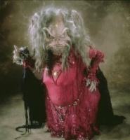 sorcière Aughra qui va bien aider Jen dans Dark Crystal