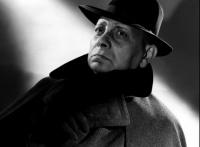 erich von stroheim 'le fou de dieu' prof kieffer dans Minuit quai de Bercy (1953)