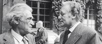 joseph kessel et maurice druon dans la cour de l'Académie Française en 1973