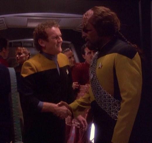Retrouvailles O'Brien et Worf (S4)