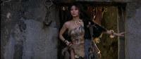 la sorcière (cassandra gava) au début du film Conan le barbare