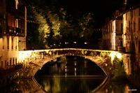 Saint-Jean-Pied-de-Port-Le-vieux-pont-sur-la-nive [photo luc-ollivier]