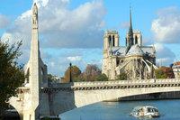 pont de la tournelle, pile rive gauche surmontée de Ste Geneviève Patronne de Paris sculptée par P.L