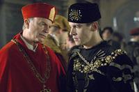 le cardinal Wolsey conseille.. Henri VIII (sam neill et rhys-meyers dans les Tudors)