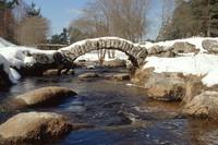 petit pont de senoueix qui enjambe le taurion (Creuse)