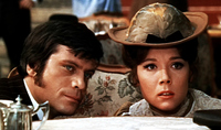 oliver reed, diana rigg in Assassinats en tous genres (1969)