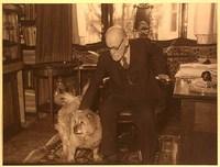 Freud et son adorable chochow Jofi
