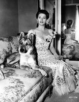 yvonne-de-carlo-and-dog-1949