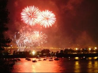 feu-artifice-divers-concours-fleuve-323248