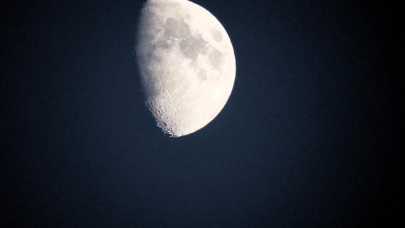 finepix sl 1000 lune avec zom x50