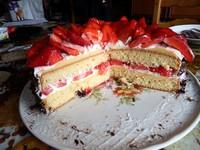 coupe gâteau au fraises