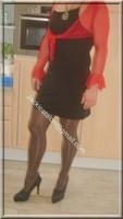 avec robe noir sexy et bolero rouge 1