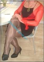 avec robe noir sexy et bolero rouge 4