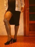 escarpins velours noirs 10 cm  robe noir a fente 4 [800x600]