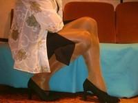 escarpins velours noirs 10 cm  robe noir a fente 1 [800x600]
