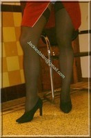 robe rouge avec bas 3