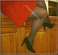 robe rouge avec bas 8