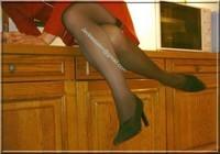 robe rouge avec bas 7