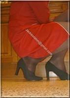 robe rouge avec bas