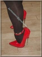 minijupe noir guepiere rouge 12