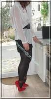 minijupe noir guepiere rouge 19