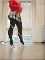 jupette careau blanc et noir blouse rouge 1