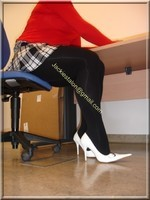 jupette careau blanc et noir blouse rouge 15