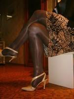 laque creme beige 10cm collant marron et jupe leopard 4