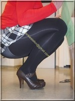 jupette careau noir et blanc blouse rouge 13