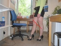 minijupe noir blouse verte 58