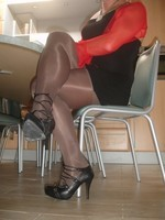 Talon noir avec semelle plateau gazelle 11cm avec robe noir sexy 3 [800x600]