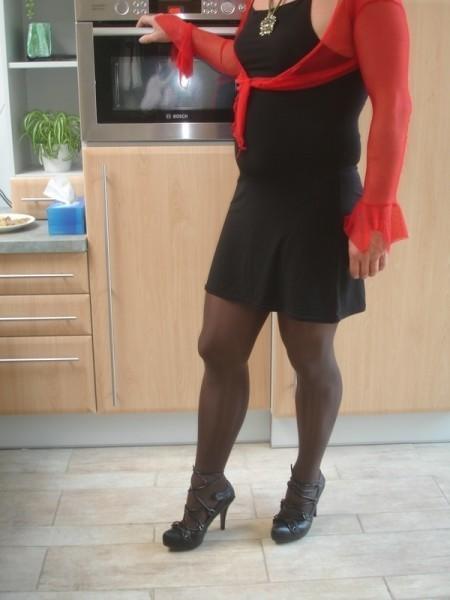 Talon noir avec semelle plateau gazelle 11cm avec robe noir sexy 5 [800x600]
