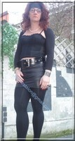 minijupe noir similie cuir 17 gros plan