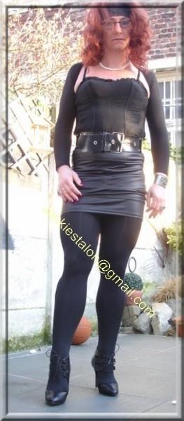 minijupe noir similie cuir 49
