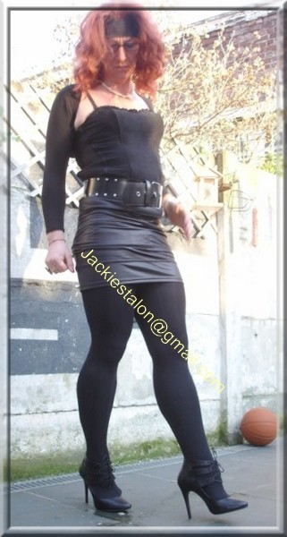 minijupe noir similie cuir 51