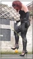 Legging similie cuir et jupe cuir 69