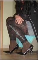 minijupe jeans top noir legging dentelle marron 7