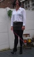 minijupe cuir chemise blanche 4