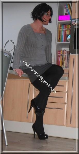 minijupe grise blouse grise 52