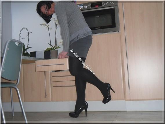 minijupe grise blouse grise 81