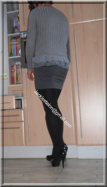 minijupe grise blouse grise 83
