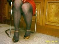 robe rouge collant resile escarpins dore 17