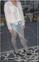 minijupe jeans chemise blanche 2