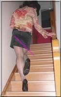 jupe courte noir velours blouse couleurs 82