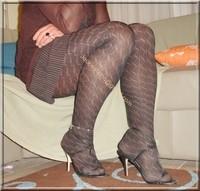 robe marron ligne collants dessin 14
