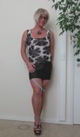 Blouse noir dessin blanc dentelle dos avec jupe noir Oh Boy clockhouse 4