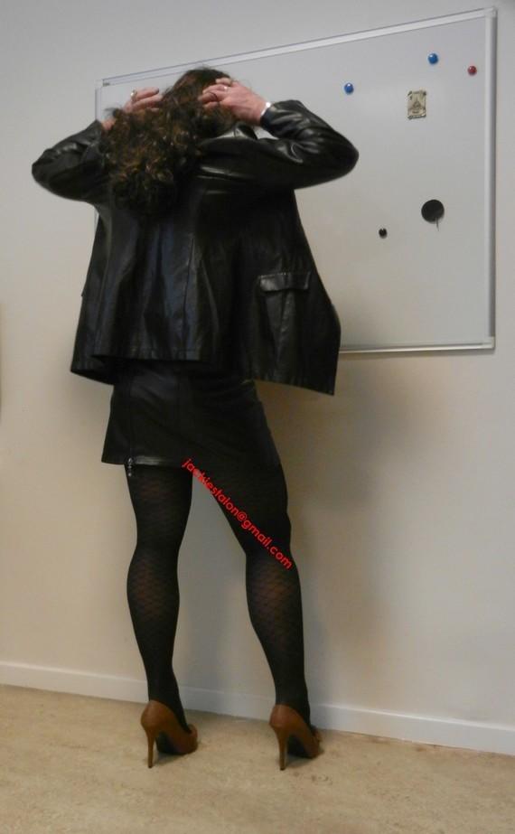 jupe noir vynil et veste vynil noir 1