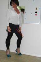 jupe grise et noir esprit chemise blanche 8