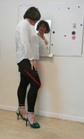 jupe grise et noir esprit chemise blanche 9