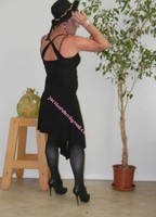 robe noir a decolete bretelles croise dos 30